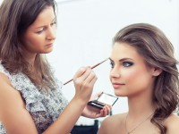 Things To Keep In Mind While You Hire A Make-up Artist